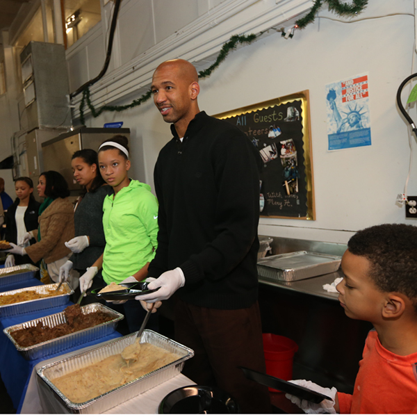 New Orleans Pelicans Feed the Homeless