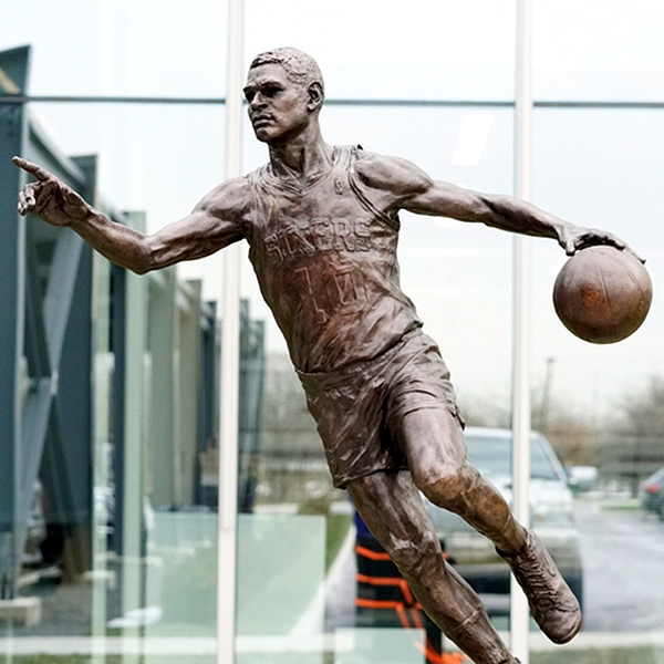 MoCheeks-Sixers-Statue-600x600
